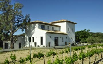 Peaceful property surrounded by the french vines outside St Maxime. Sleeps 8 with private pool. (PDLT102OL)