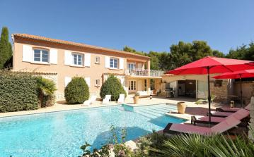 Luxury Secluded Villa with Pool near Pertuis, Provence. 5 bedrooms to sleep 10 (PERT101EE)