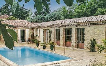 2 bedroom holiday home to sleep 4 near pertuis provence (PERTF84212)