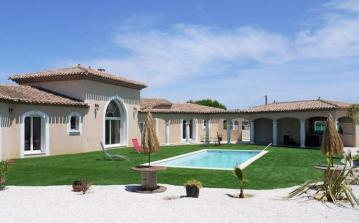 Beautiful villa rental in Southern France with private pool, sleeps 8 plus a small child (PEZ143J)