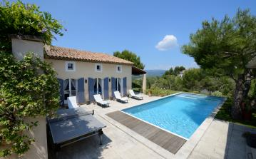Pretty villa with private pool and 4 bedrooms. Sleeps up to 8 plus 1 child and 1 baby. (PONT104)
