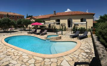 Gite to sleep 12 with private pool, near beach, 10 minutes from Beziers (POR107)