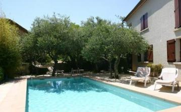 2 bedroom holiday home to sleep 5 near pont st esprit languedoc roussillon (PSEFLG193)