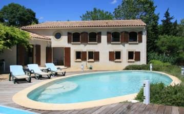 Great Family Villa with Pool and Tennis Court. 6 bedrooms to sleep 12 (QUA102)