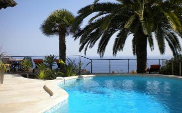 ROCM118 - Stunning Luxury Designer Villa with pool. Sleeps 10, 4 bedrooms.
