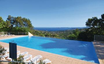 2 bedroom holiday home to sleep 6 near roquebrune cote dazur (ROCMFCV744)