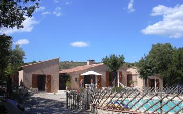Villa with Private Pool set in the Midst of Vineyards & Olive Groves sleeps 11 - 5 bedrooms (ROU107)