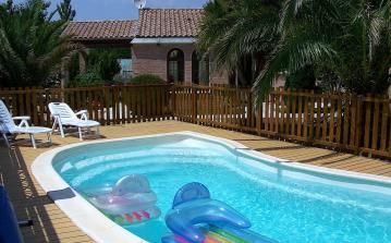 Villa with adjoining apartment and private pool (SAUV102)