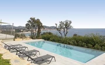 STMX122Q - Contemporary Villa with Stunning Views Across the Bay. Infinity Pool. Sleeps 12, 6 bedrooms
