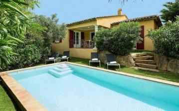 Prestige Villas with own Pool on Residence near Sainte Maxime. 3 bedrooms to sleep up to 8. (STMX133MV)