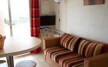 Beach house St Pierre-la-Mer Languedoc property rental visit holiday lounge area TV CD player seating