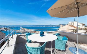 Stylish and luxurious house with a view on the port, 2 bedrooms that sleep 4 people (STPZ164HR)