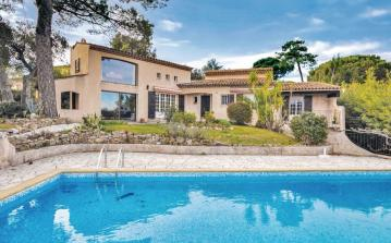4 bedroom holiday home to sleep 8 near st tropez cote dazur (STPZFCV250)