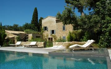 UZES110Q - Absolutely stunning 7 bedroom villa with private swimming pool and gym. Located in Uzes, this property sleeps 14.