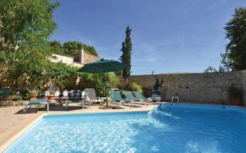 Large Houses near Uzes with Pool. Sleeps up to 18 (UZES113J)