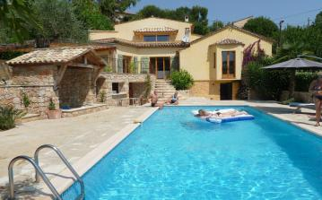 Luxury Villa in Le Rouret. Heated Saltwater Pool. 4 bedrooms, sleeps 8 (VALB118)