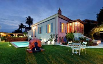 VENC111 - Beautiful 1930 century property located in picturesque Vence, boasting a private swimming pool and stunning garden.