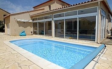 Immaculately presented villa in Fitou, Aude, with pool. Sleeps 6-8, 4 bedrooms.