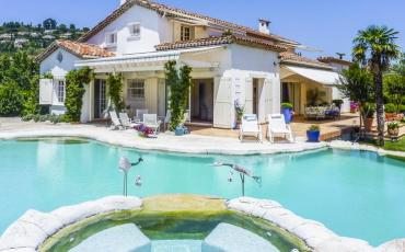 Bright and Airy Villa with Heated Pool and Spa near Mougins. Sleeps 12, 6 bedrooms