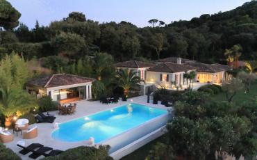 Stunning luxury villa with a classical style and a private pool overlooking the Gulf of St. Tropez, sleeps 10.